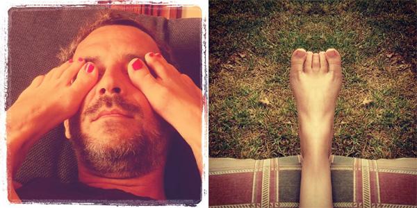pies sobre rostro y pies mutantes
